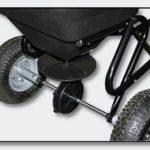 Epandeur 30 kg avec pneus à air / possibilité d'attache à un tracteur tondeuse de la marque WilTec image 2 produit